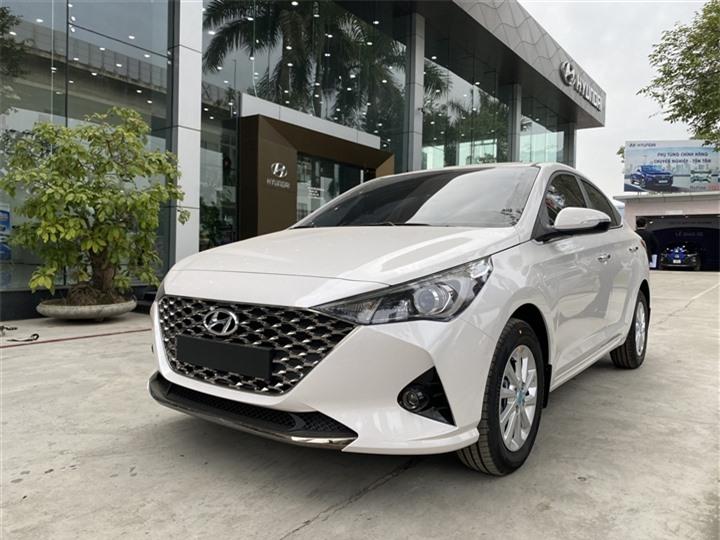 4 mẫu xe sedan bình dân được ưa chuộng tại Việt Nam - 3