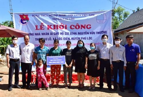 Văn phòng UBND tỉnh Thừa Thiên Huế khởi công xây dựng nhà nhân ái cho hộ nghèo