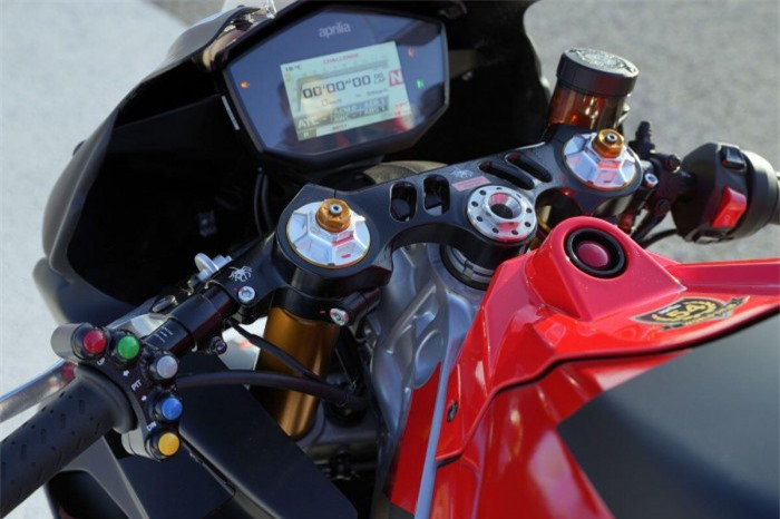 Mô tô thể thao Aprilia RS660 ra mắt phiên bản đường đua, giá 411 triệu đồng 3