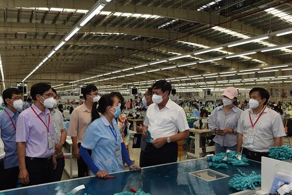 Thứ trưởng Đỗ Xuân Tuyên: Không cần thiết phải đeo 2 khẩu trang/lần