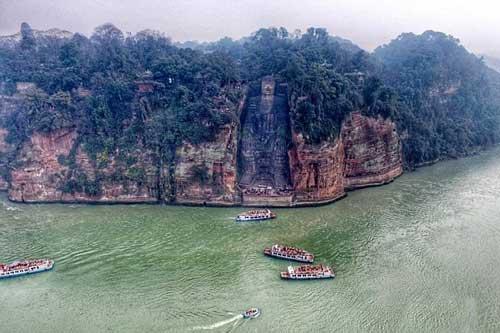 Lạc Sơn Đại Phật - Pho tượng Phật bằng đá lớn nhất thế giới trên vách núi
