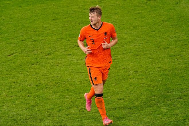 Trung vệ: Matthijs de Ligt (Hà Lan).