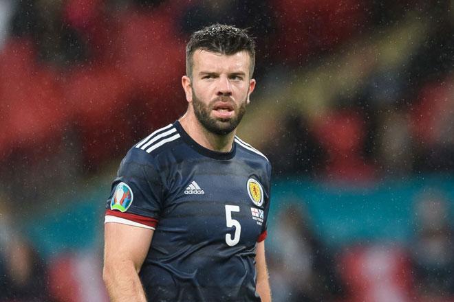 Trung vệ: Grant Hanley (Scotland).