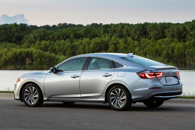 5. Honda Insight 2022 (giá khởi điểm: 26.205 USD).