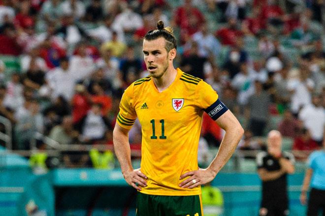 Tiền vệ trái: Gareth Bale (xứ Wales).