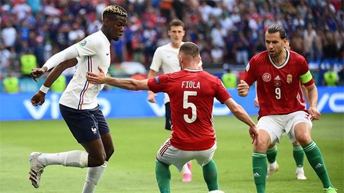 Man United lại sợ mất Pogba theo dạng CNTD
