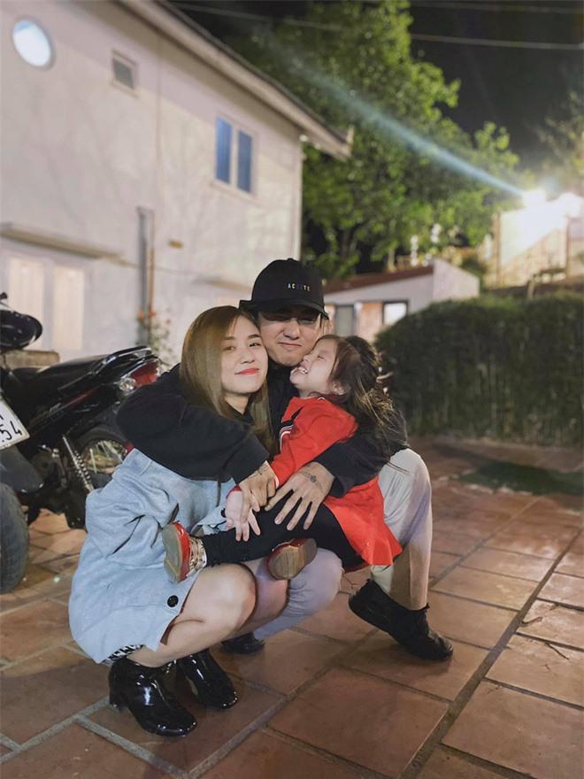 Vợ cũ Hoài Lâm cuối cùng đã tung khoảnh khắc hôn hít đầu tiên với Đạt G sau khi công khai hẹn hò rồi! - Ảnh 4.