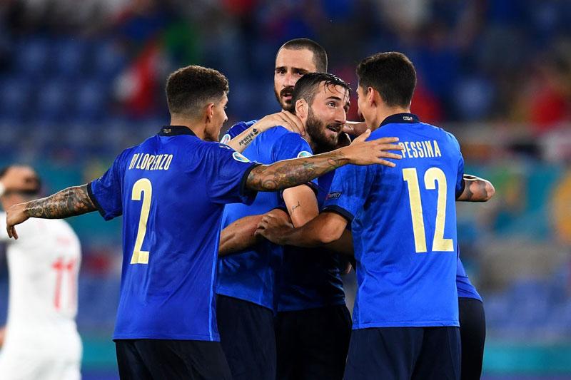 Italia sẽ giành ngôi đầu? Ảnh: Getty.
