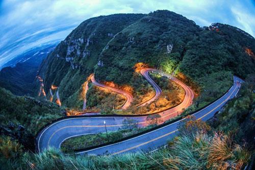 6 cung đường lái xe phiêu lưu nhất thế giới
