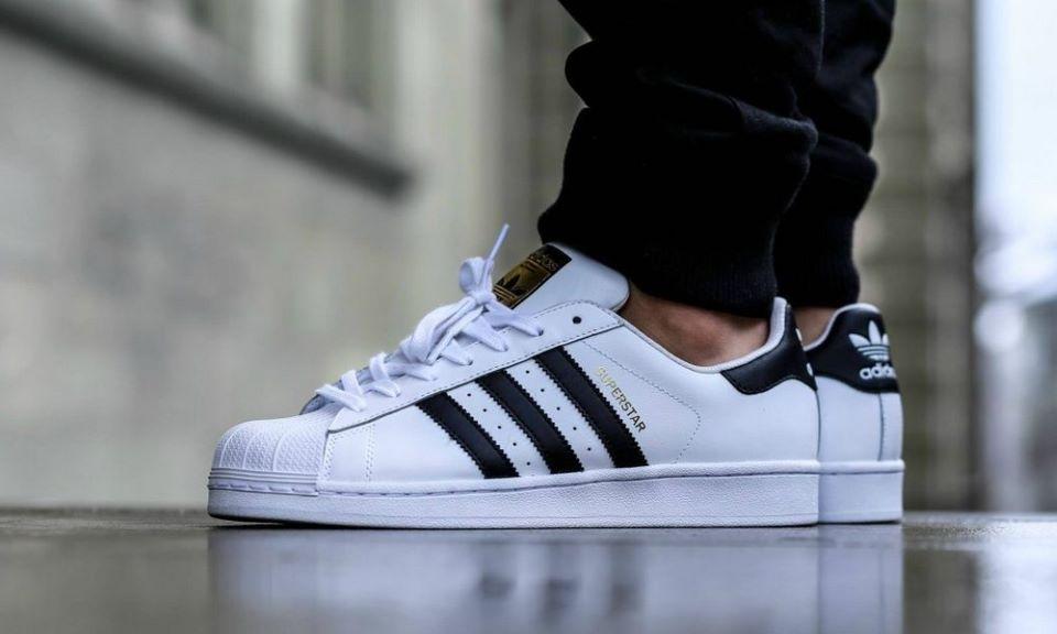 Hướng dẫn phân biệt giày Adidas thật, giả vô cùng đơn giản