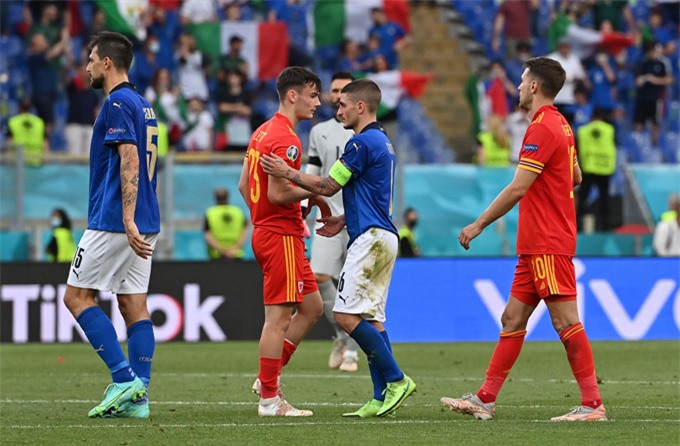 Cả Italia và Wales nhiều khả năng đều không phải gặp đối thủ sừng sỏ tại vòng 1/8
