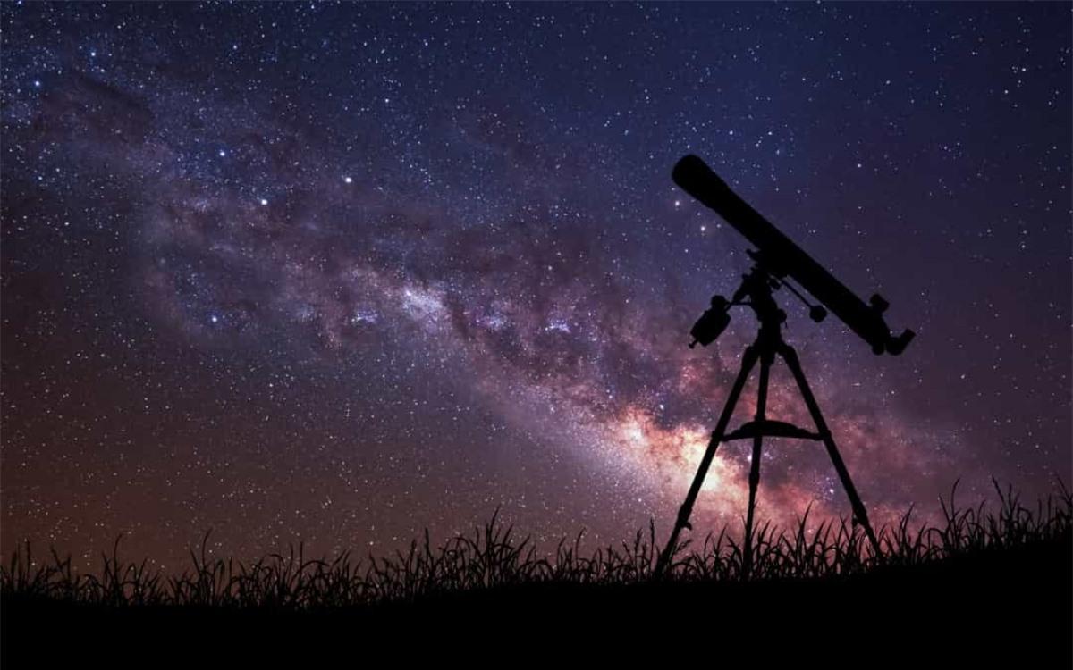 Sao Thiên Vương là hành tinh đầu tiên trong Hệ Mặt trời được phát hiện chỉ bằng kính thiên văn.