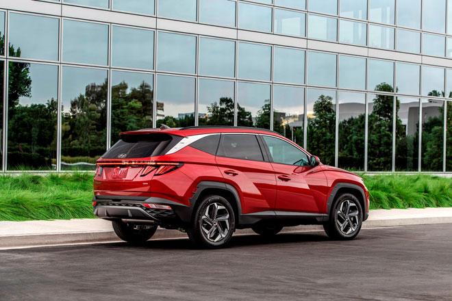 1. Hyundai Tucson Hybrid 2022 (giá khởi điểm: 26.135 USD).