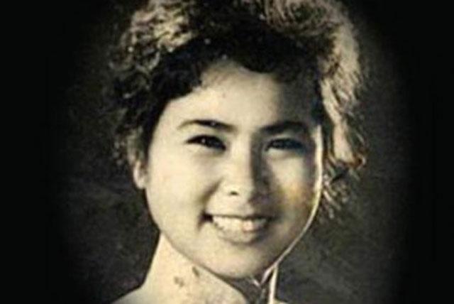 Nữ hoàng thơ tình là biệt danh được giới văn đàn đặt cho nhà thơ Xuân Quỳnh (1942-1988). Bà là một trong những nhà thơ nổi tiếng nhất của nền văn học Việt Nam hiện đại, đặc biệt là những bài thơ viết về tình yêu đôi lứa. Ảnh: Tạp chí Sông Hương.