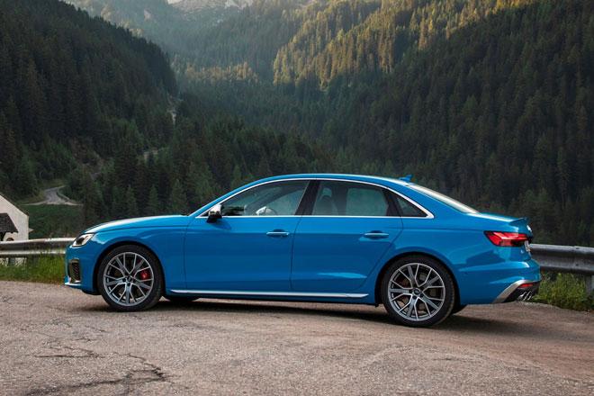 5. Audi S4 2021 (giá khởi điểm: 50.945 USD).