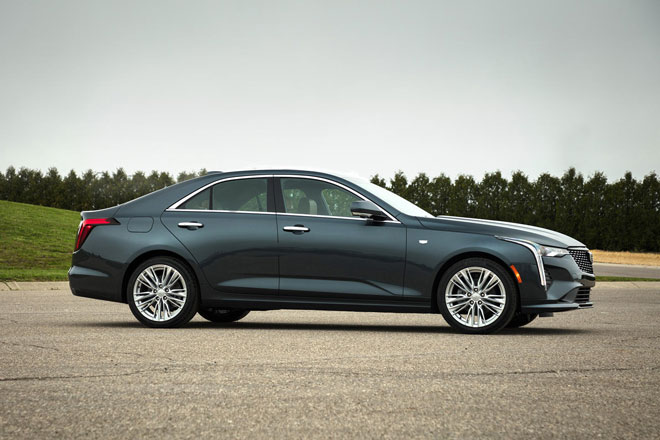 7. Cadillac CT4 2021 (giá khởi điểm: 34.590 USD).
