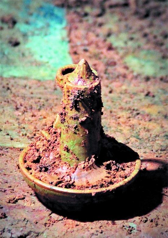 Đào đất xây nhà vệ sinh thì phát hiện mộ cổ: Vô số cổ vật bên trong nhưng thi thể chủ nhân không cánh mà bay - Ảnh 5.