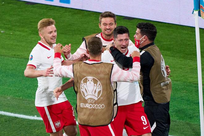 Lịch phát sóng EURO 2020 đêm 22/6, rạng sáng 23/6: Khó cho Ba Lan