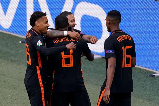 Hà Lan toàn thắng cả 3 trận.