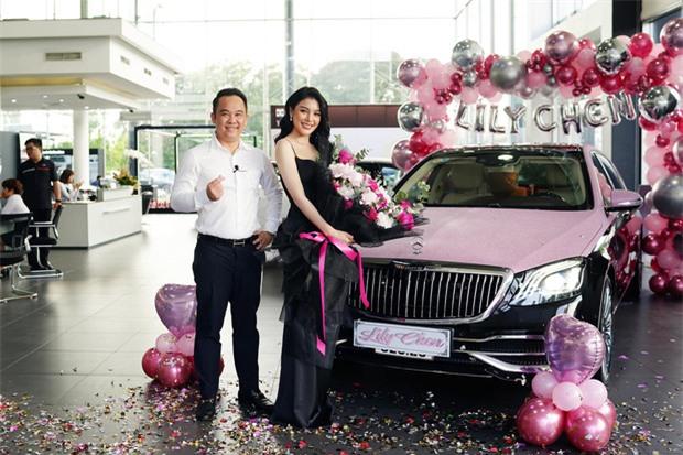 Hai siêu xe hồng đen thị phi của showbiz Việt: Rolls-Royce vẫn im lìm, Maybach quyết đổi màu cho phong thủy hơn - Ảnh 2.