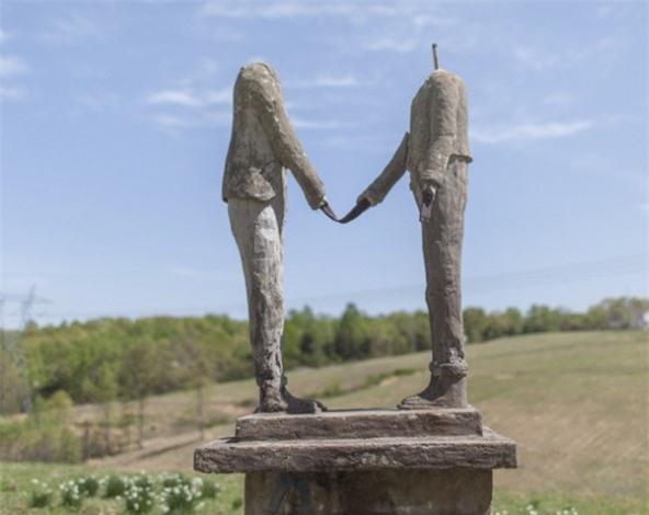 Những tác phẩm điêu khắc đáng sợ nhất thế giới khiến du khách phải bàng hoàng 10