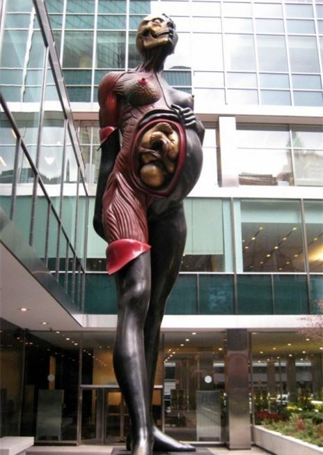 Những tác phẩm điêu khắc đáng sợ nhất thế giới khiến du khách phải bàng hoàng 5