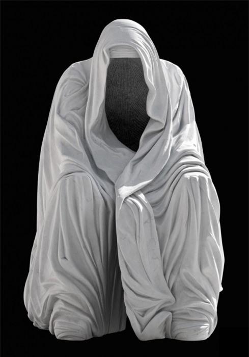 Những tác phẩm điêu khắc đáng sợ nhất thế giới khiến du khách phải bàng hoàng 9