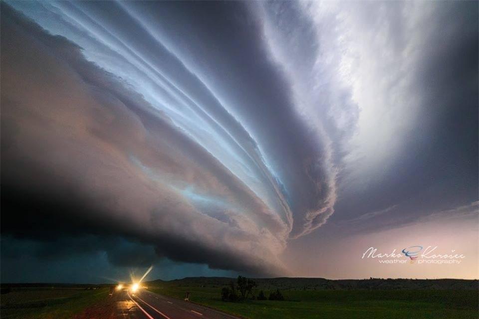 rùng mình với hình ảnh về những cơn bão tử thần