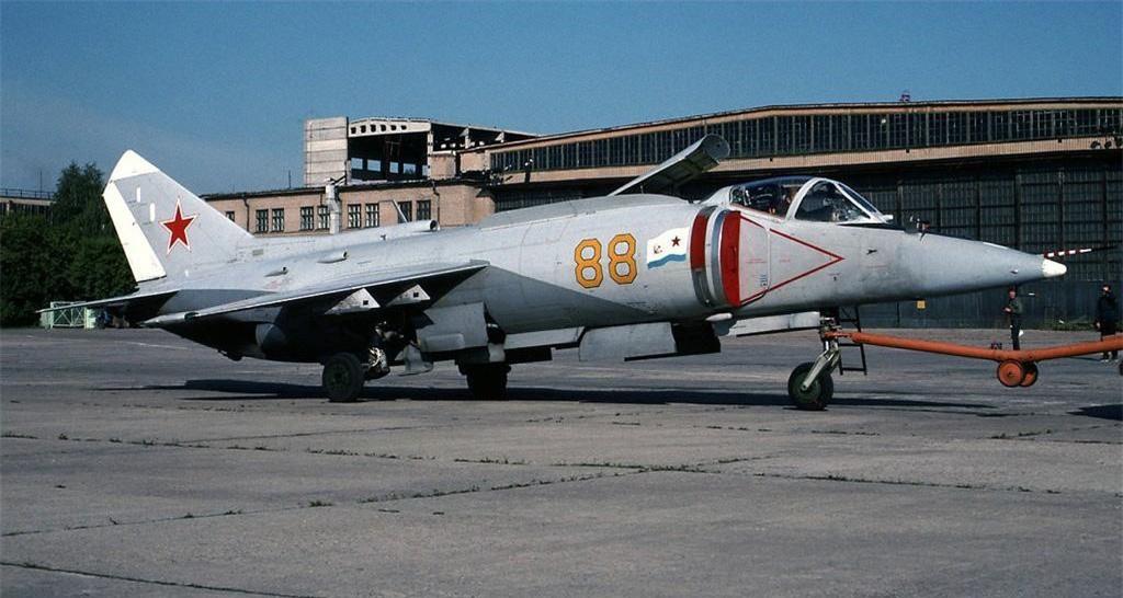 Yak-38, loai tiem kich ham di truoc thoi dai cua Lien Xo-Hinh-11