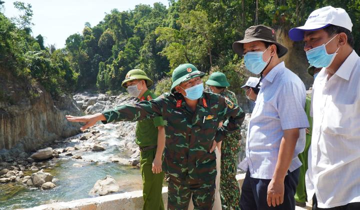 Đoàn công tác tỉnh Thừa Thiên Huế khảo sát, thống nhất phương án, kế hoạch tiếp tục tìm kiếm các nạn nhân mất tích tại Thuỷ điện Rào Trăng 3.