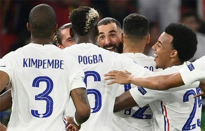 Nhưng nhờ những đường chuyền độc đáo của Pogba mà Benzema đã lập được 1 cú đúp ở trận hòa Bồ Đào Nha