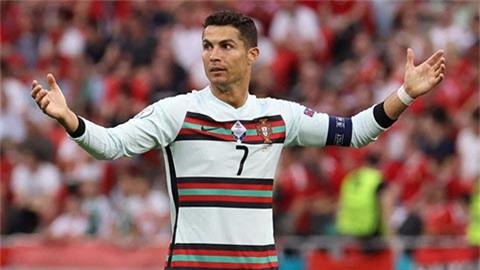 Ronaldo bực tức khi bị nói kém hơn Messi
