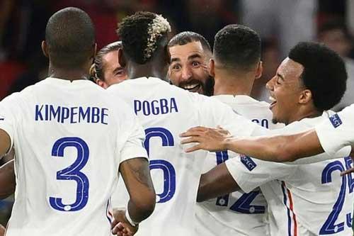 Benzema & Pogba biến ĐT Pháp từ 'máy kéo' thành 'siêu xe'