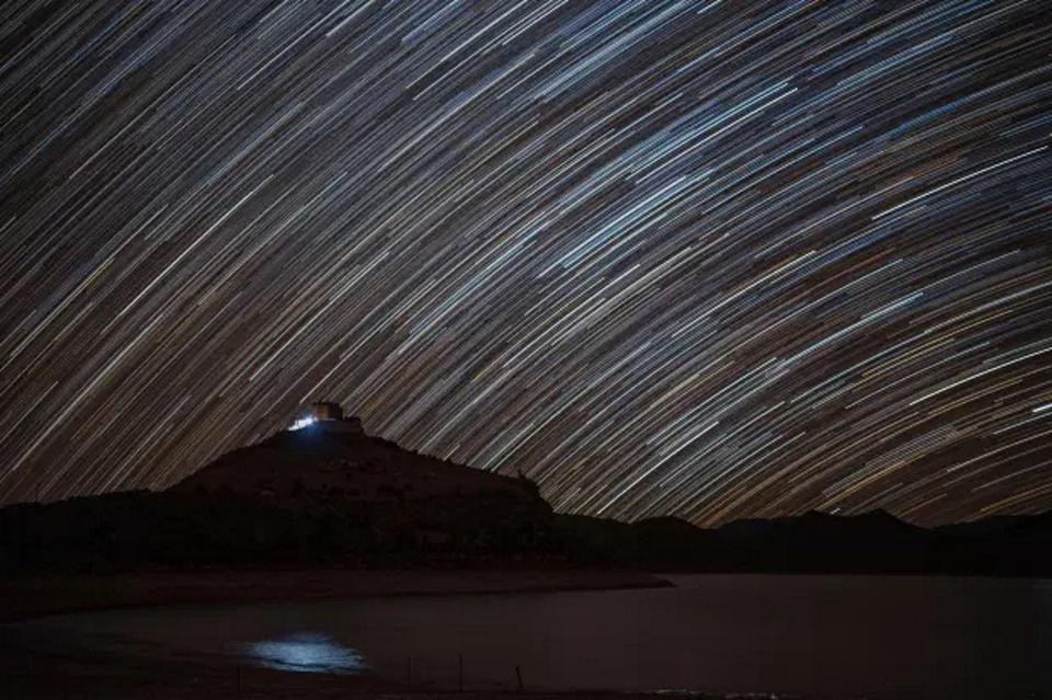 Với điều kiện địa lý lý tưởng (cao, không ô nhiễm ánh sáng...), đây cũng là điểm tuyệt vời cho những người yêu thích nhiếp ảnh thiên văn.