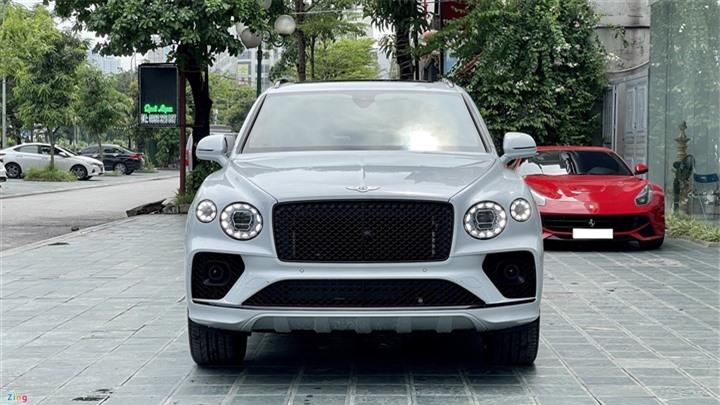 Bentley Bentayga V8 2021 với nội thất màu đặc biệt tại Việt Nam - 10