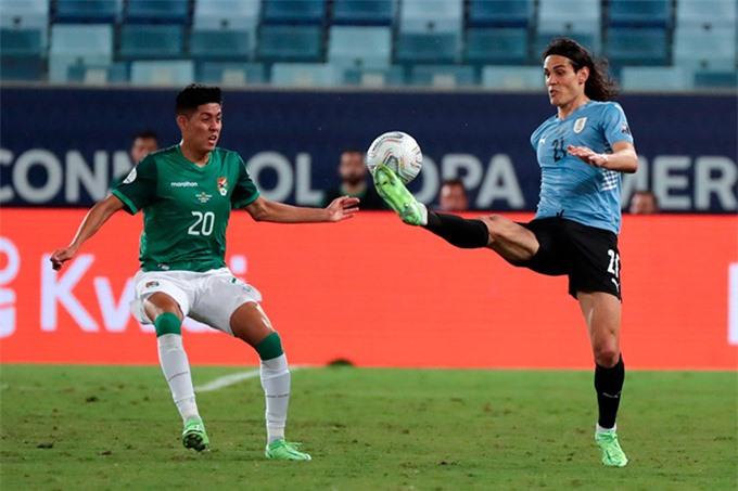 Cavani nổ súng giúp Uruguay thắng trận đầu tiên tại Copa America 2021