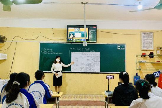 Học sinh tại Bắc Ninh, Bắc Giang trở lại trường ôn thi tốt nghiệp THPT 2021