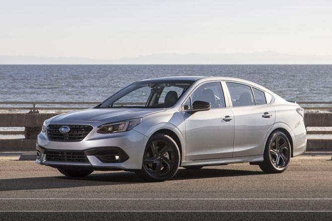 2. Subaru Legacy 2021 (giá khởi điểm: 37.070 USD).