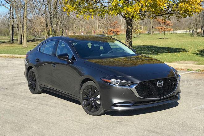 8. Mazda3 2021 (giá khởi điểm: 31.045 USD).