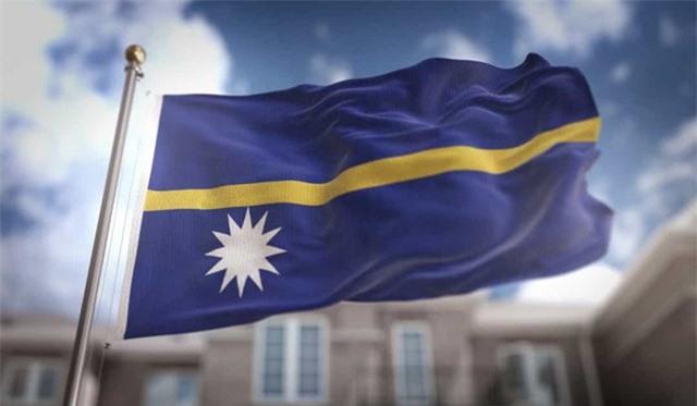 Nauru là một quốc gia nằm ở Châu Đại Dương, gần Australia, được tạo thành từ 9 hòn đảo.