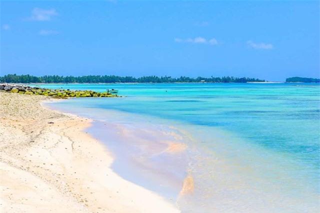 Mực nước biển dâng cao là mối đe dọa thường xuyên đối với đất nước Tuvalu.