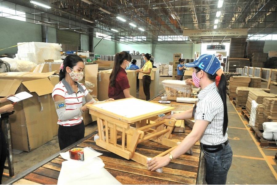 Ngành gỗ xuất khẩu của tỉnh Bình Dương vẫn phát triển khả quan dù tình hình dịch bệnh Covid-19 diễn biến phức tạp trên quy mô toàn cầu.