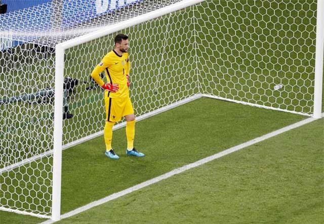 Hugo Lloris thất bại trong cả 15 lần gần nhất đối mặt các cú đá penalty trong màu áo ĐT Pháp