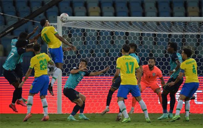 Militao mở tỷ số trận Brazil vs Ecuador ở phút 37