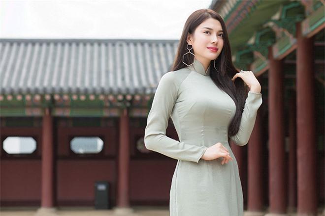 Nhan sắc thời thi hoa hậu của Lily Chen - mỹ nhân bị đồn là tình địch của Ngọc Trinh - Ảnh 2.