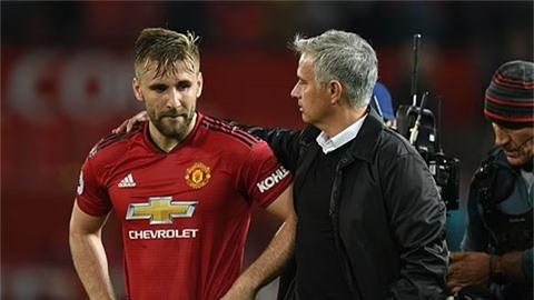 Shaw: 'Mong Mourinho tìm thấy bình yên trong tâm hồn và thôi làm phiền tôi'