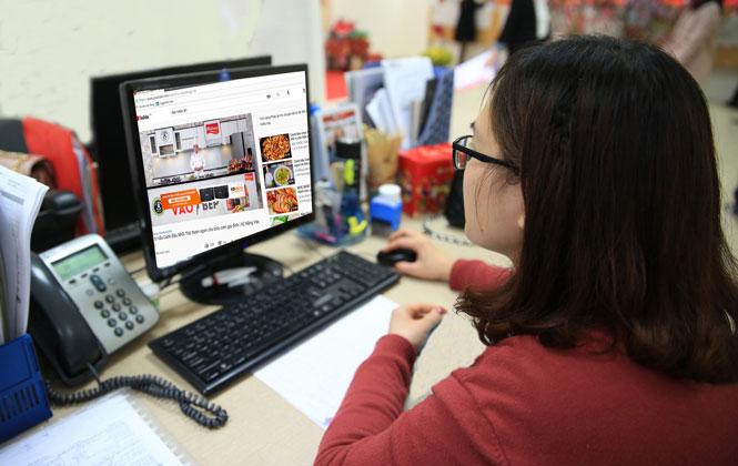 Phát triển thương mại điện tử để tăng sức cạnh tranh cho doanh nghiệp nhỏ và vừa.