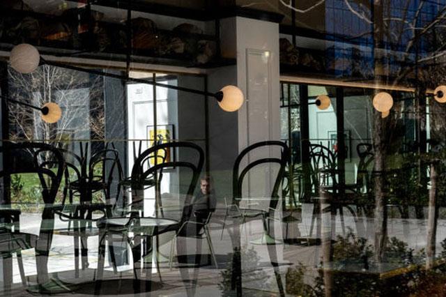 Nhiều nhà hàng ở TP New York phải đóng cửa vì dịch Covid-19. Ảnh:Reuters