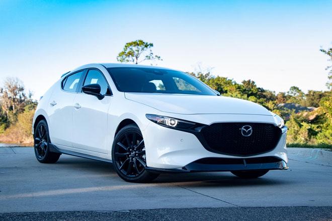 7. Mazda3 Hatchback 2021 (sức chứa khoang hành lý: 569 lít).