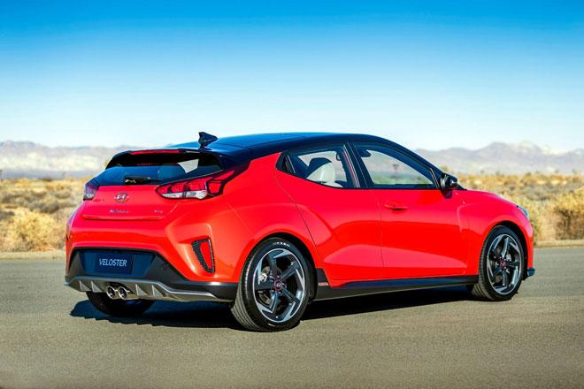 8. Hyundai Veloster 2021 (sức chứa khoang hành lý: 564 lít).